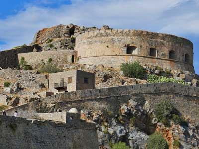 spinalonga was build by the venetian to defend themselves against the ottoman Turks