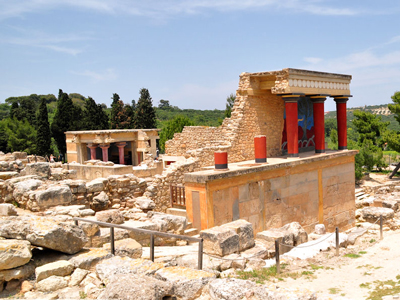 the reconstruction of the palace of Knossos.