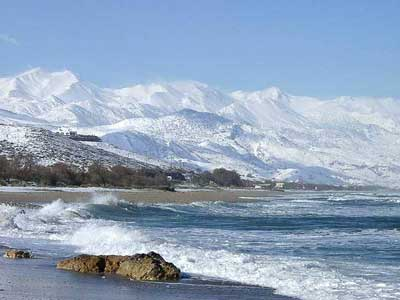 snow came in 2017 till on the beaches of Crete