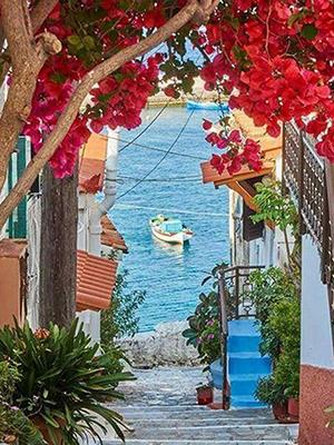 Agios Nikolaos heeft mooie straatjes maar is een drama met de routeplanner.
