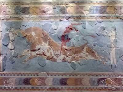 Fresco met als afbeelding het gevecht met de stier.