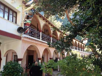 het grote selinari klooster wordt nog steeds bewoond