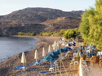 one of the tavernas on the beach of kato zakros