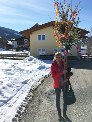 house lord Olga with the easter palm tree, made for her children