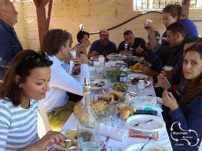 tijdens het paasfeest een traditionele maaltijd met lam
