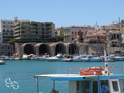 venetiaanse scheepswerven nog steeds te zien in de haven van Heraklion