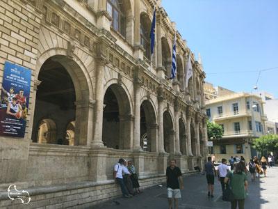 één van de hoogtepunten van de stadswandeling door Heraklion - de Venetiaanse Loggia
