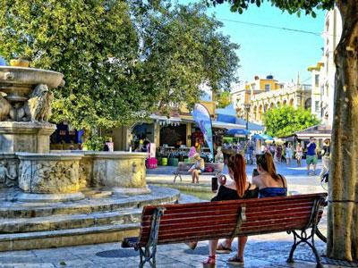stadswandeling Heraklion komt ook langs de leeuwen fontein