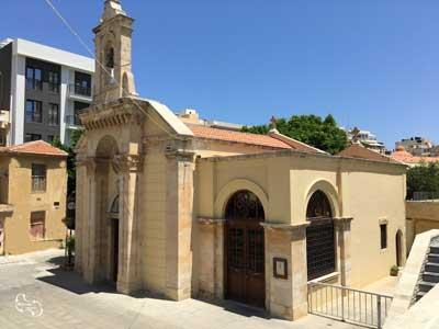 mikros-agios-minas, de kleine oude kerk op het St. Catharina plein