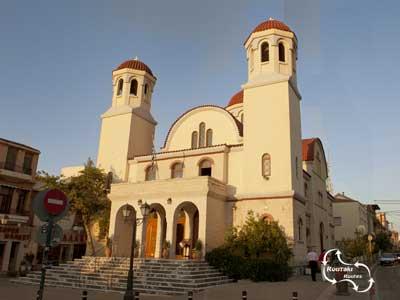 het vooraanzicht van de Vier Nieuwe Martelaren Kerk