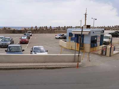 parkeer de auto en begin de stadswandeling door Rethymnon