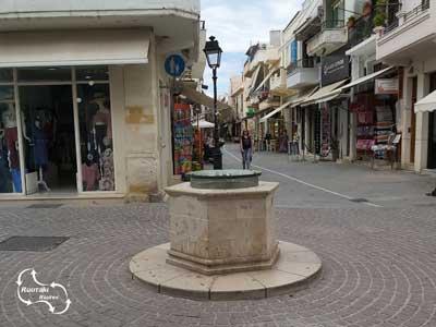 één van de vele waterputten in Rethymnon